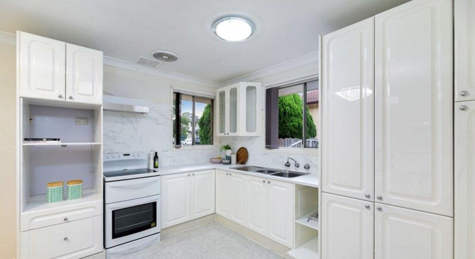 8 Woodberry Road, Winston Hills NSW 2153
