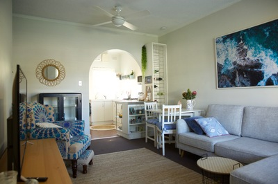 Beachside Unit Metres From The Beach
