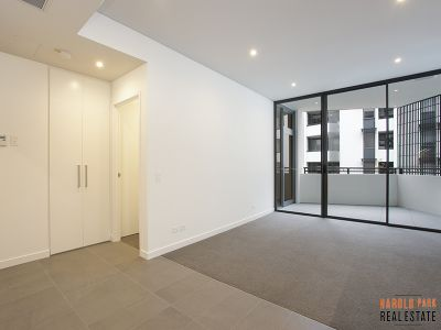 Bright 1-Bedroom Apartment in Harold Park