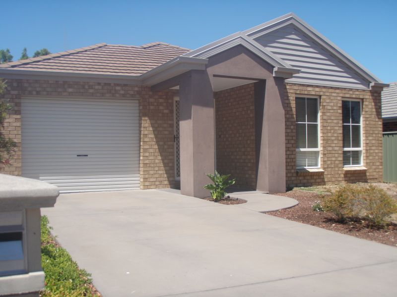 For Rent By Owner:: Eaglehawk, VIC 3556