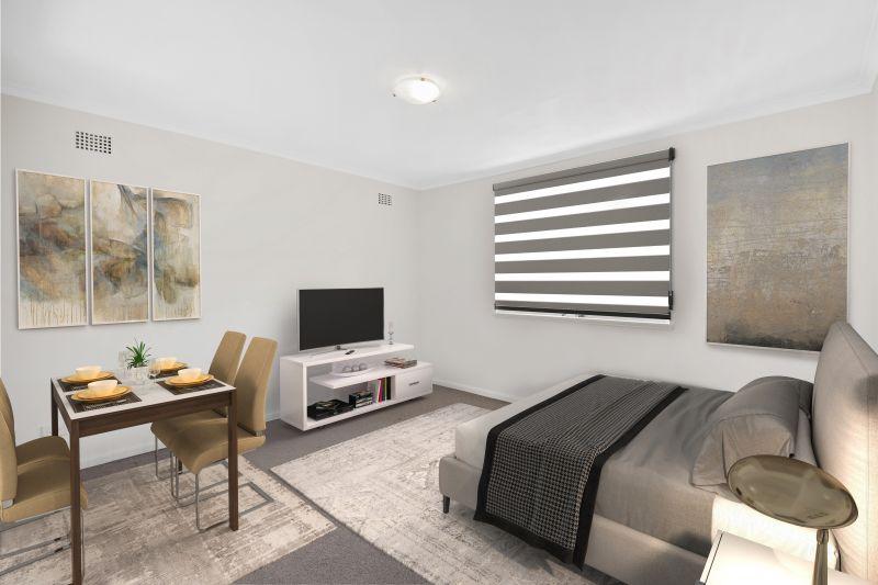 Great Quality In Renovated Top Floor Studio