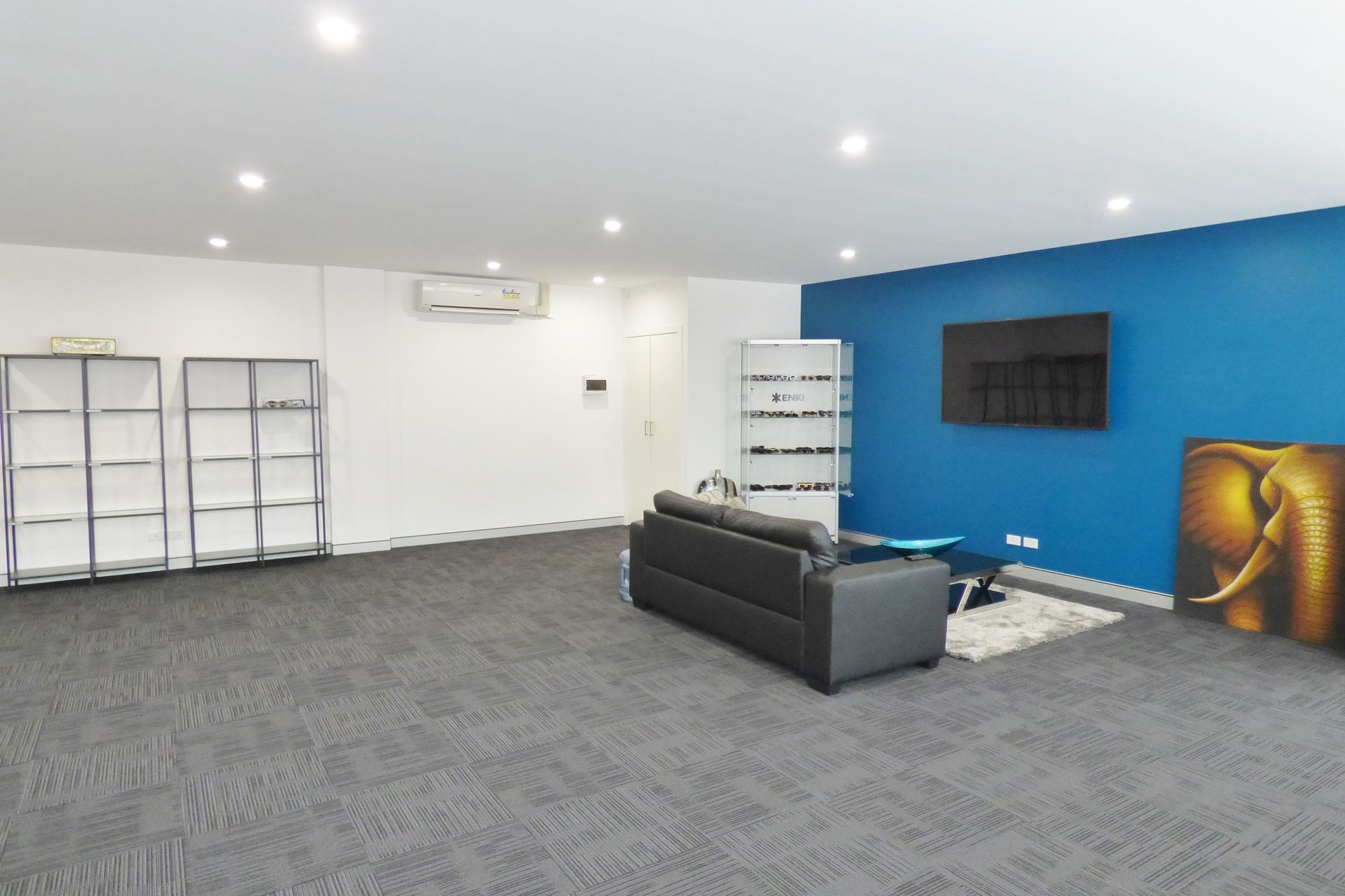 FULLY RENOVATED OFFICE SPACE IN CENTRAL CBD