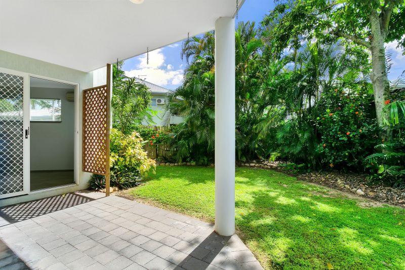 Ground floor with garden courtyard