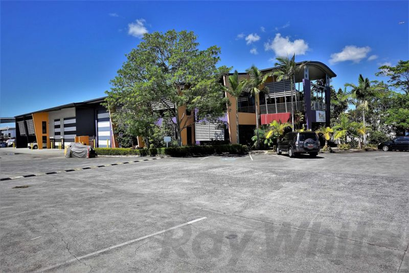 For Lease: 305sqm*-452sqm* ON ONE LEVEL - OFFICE/ SHOWROOM/ WAREHOUSE
