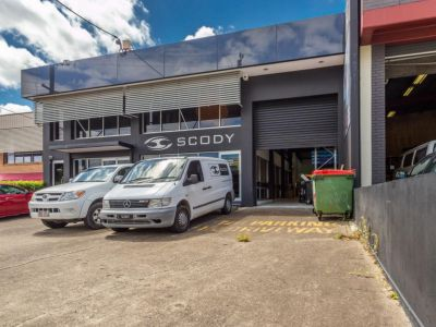 RARE WAREHOUSE OPPORTUNITY IN WEST END!