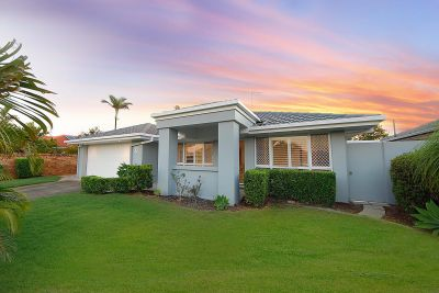 Immaculate freshly renovated home in great location