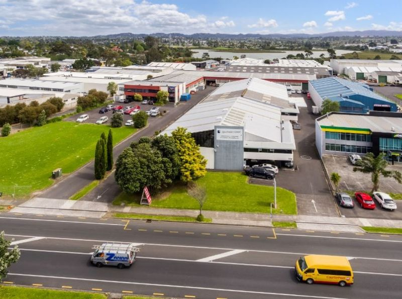 700sqm warehouse for lease