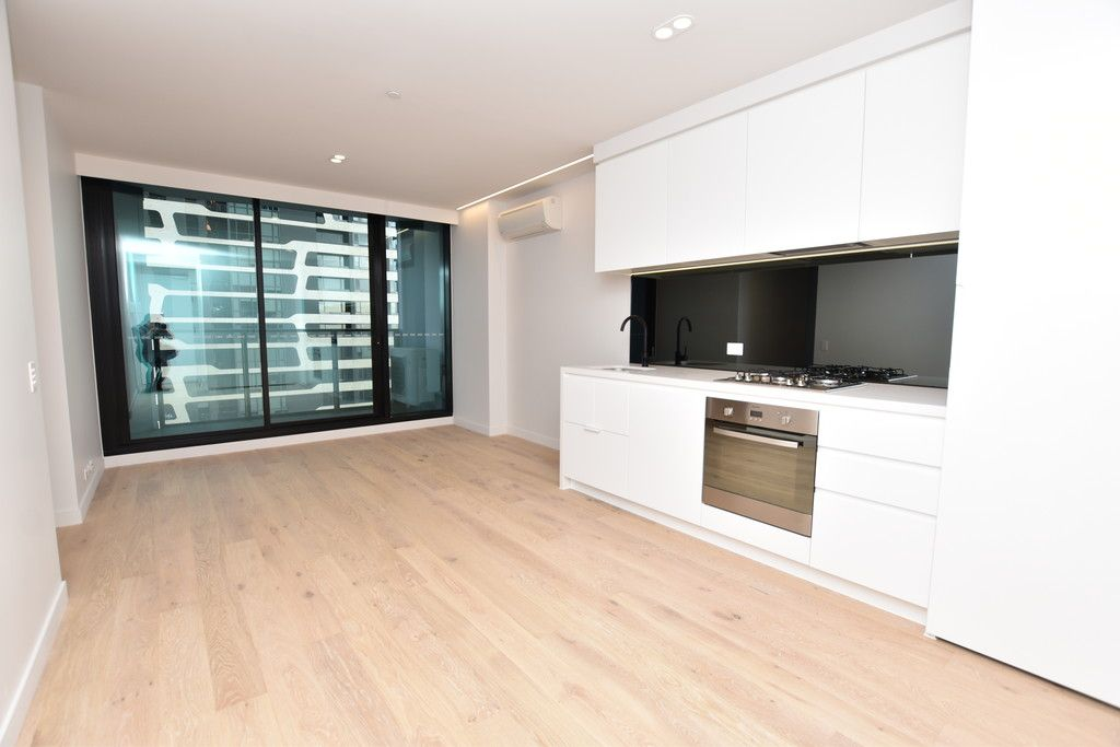 Lighthouse: Superb Brand New Two Bedroom Apartment in the Heart of Melbourne!
