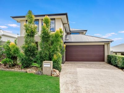 LARGE EXECUTIVE HIGH SET 6 YEAR OLD HOME IN SOUGHT AFTER ESTATE