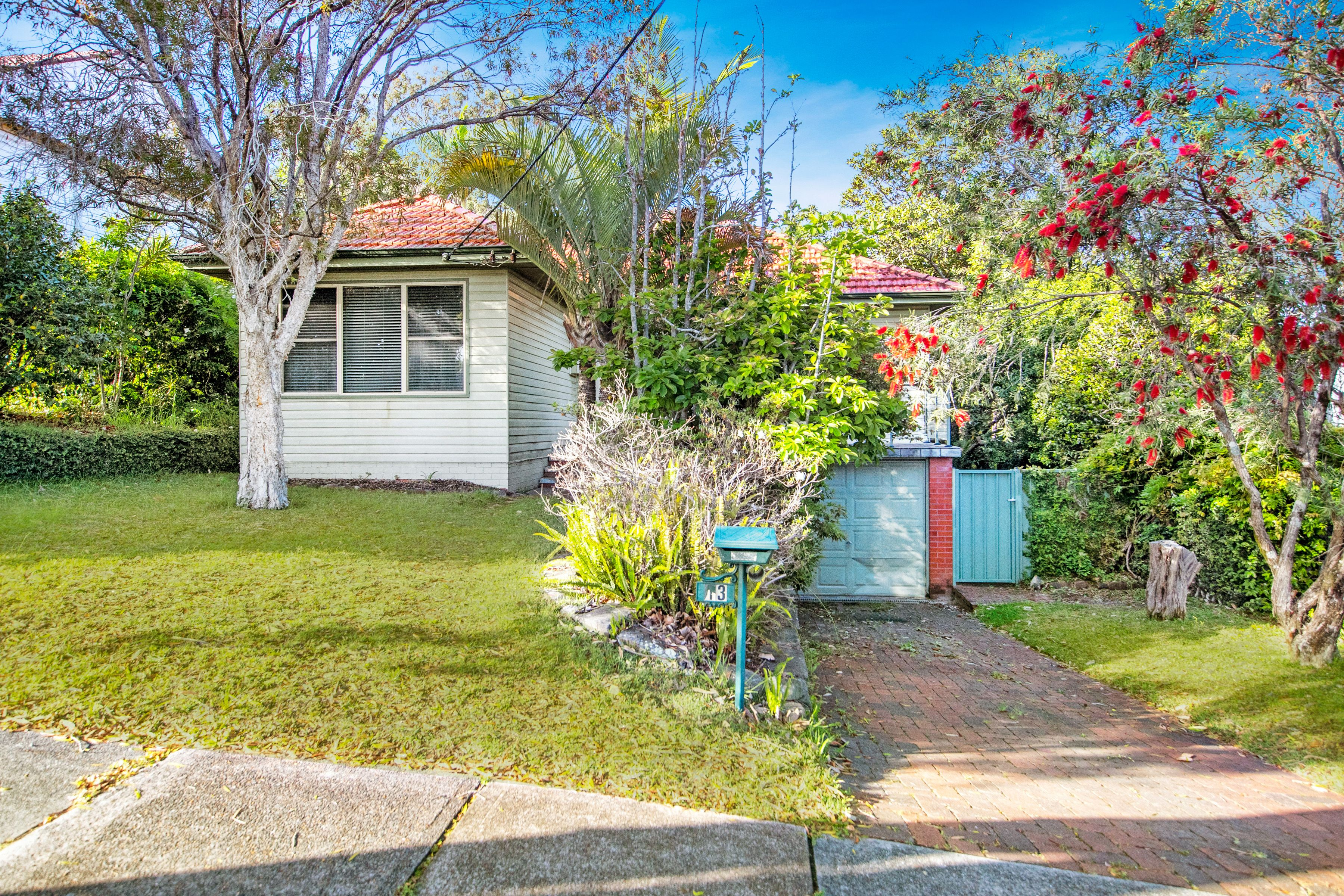 13 Lexington Parade, Adamstown Heights