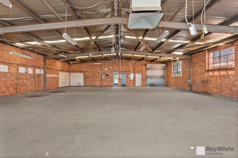 Outstanding Industrial Building with Unrivalled Exposure!