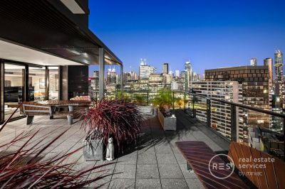 Unparalleled Docklands Sub Penthouse with 270 degree views!