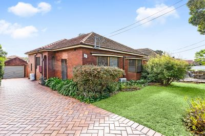 This solid, well kept brick cottage has great bones and is set in a premium location with a sunny North facing backyard.