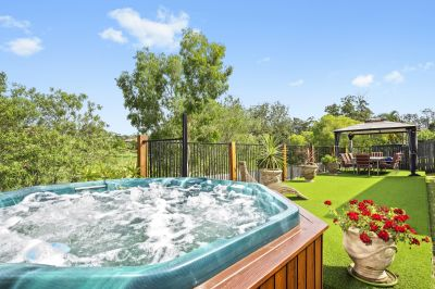 GREAT VALUE! FAMILY HOME OVERLOOKING WONGA PARK