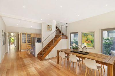 Resort Style Home in Quiet Cul-de-sac Near Queens Park