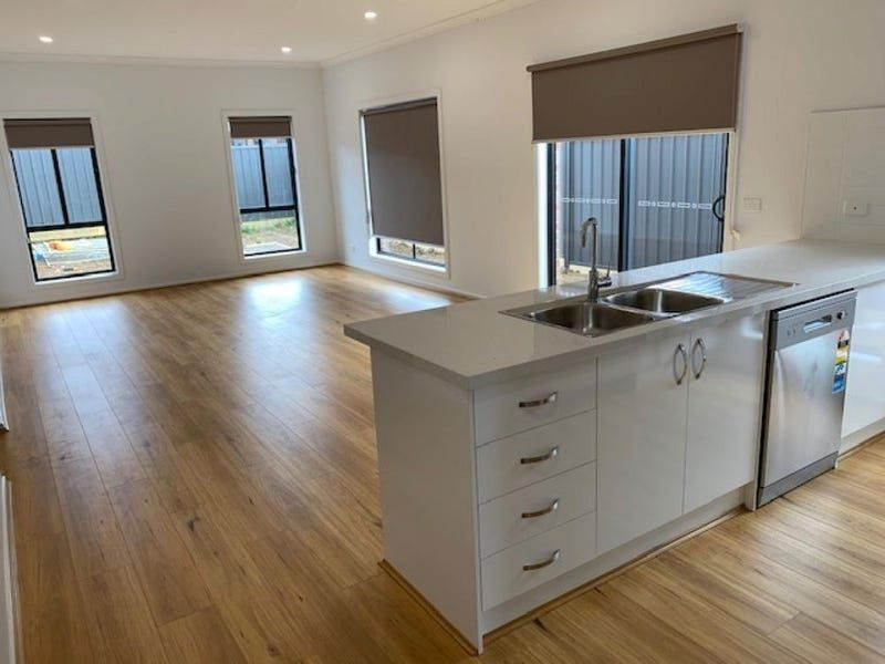 For Sale By Owner: Lot 419 Echidna Drive, Beveridge, VIC 3753