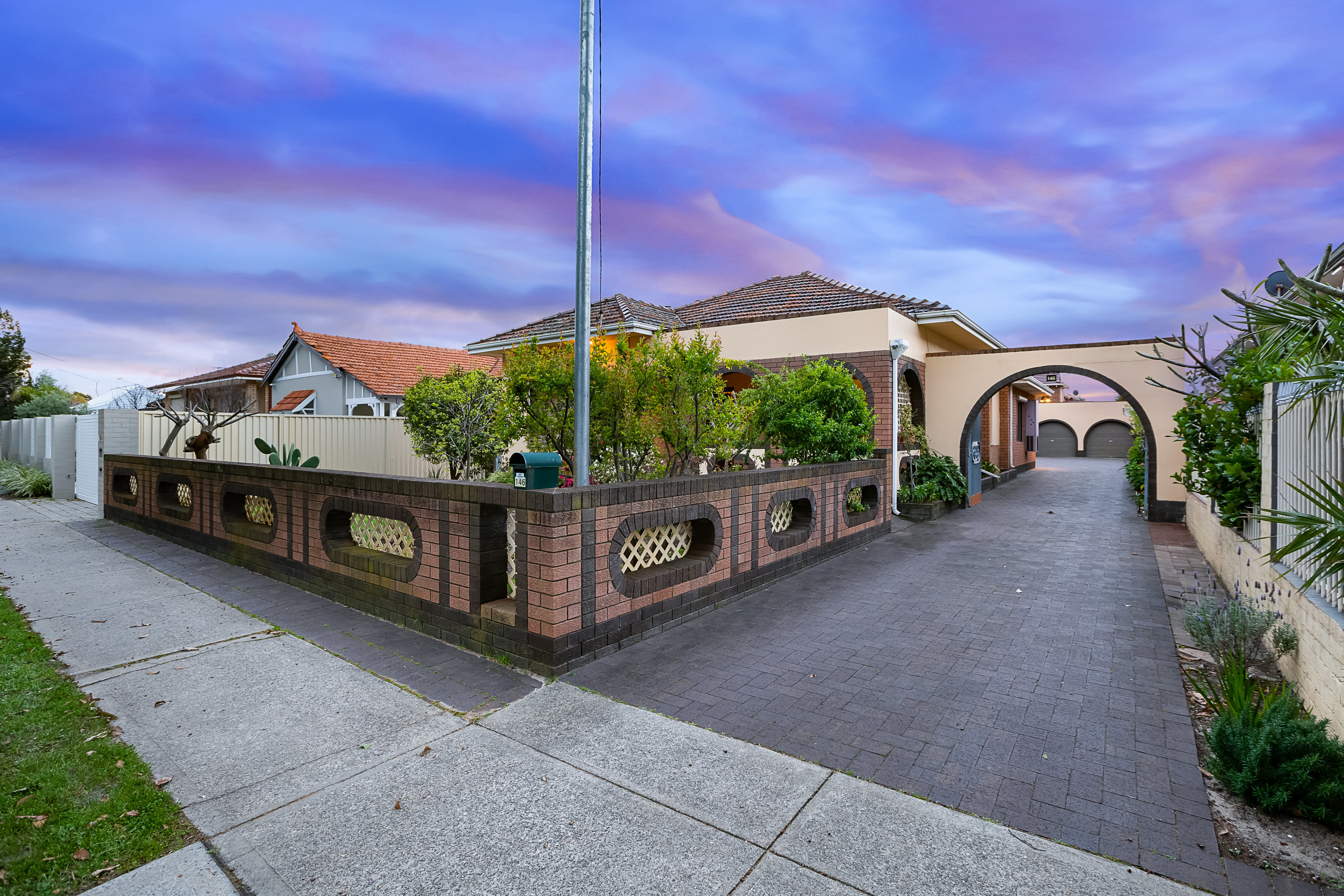 146 Central Avenue Inglewood 6052
