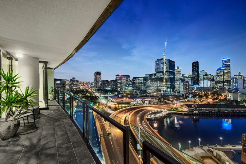 Unforgettable Melbourne skyline views & immense space!
