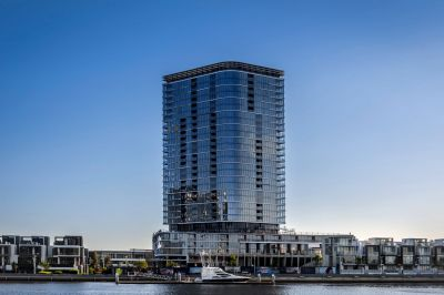 River Side Luxury in Docklands