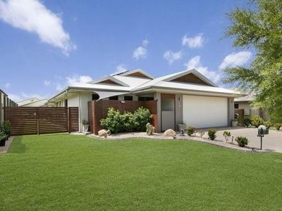 BARGIN!! SLASHED TO $430,000 - WELL BELOW REPLACEMENT COSTS - MUST BE SOLD!!