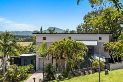 Beach home, hinterland views + dual living