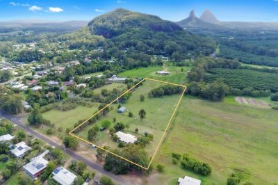 37 Buzaki Road, Glass House Mountains