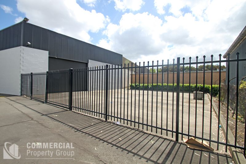 WAREHOUSE & SECURE YARD AREA