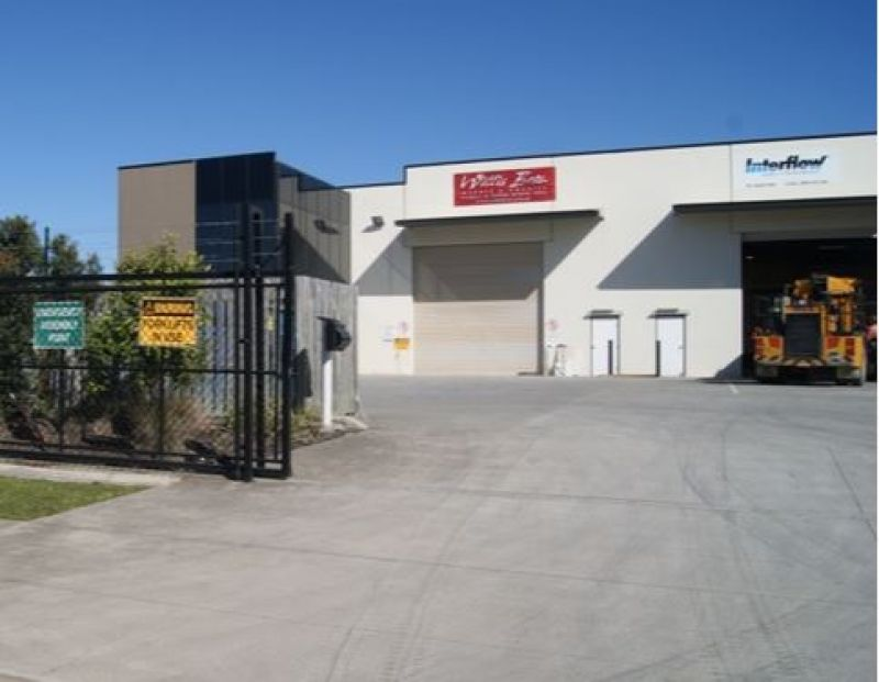 Quality Warehouse Located in Busy Corporate Park Estate