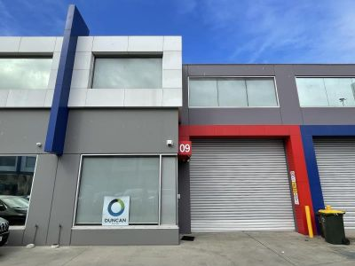 OFFICE WAREHOUSE IN A GREAT LOCATION