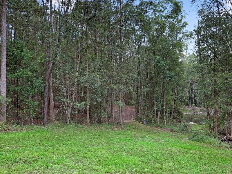 124 Forest Acres Drive, Lake Macdonald QLD 4563