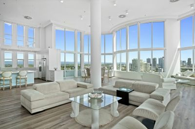 A class above the rest - One of the Gold Coast's finest Penthouses