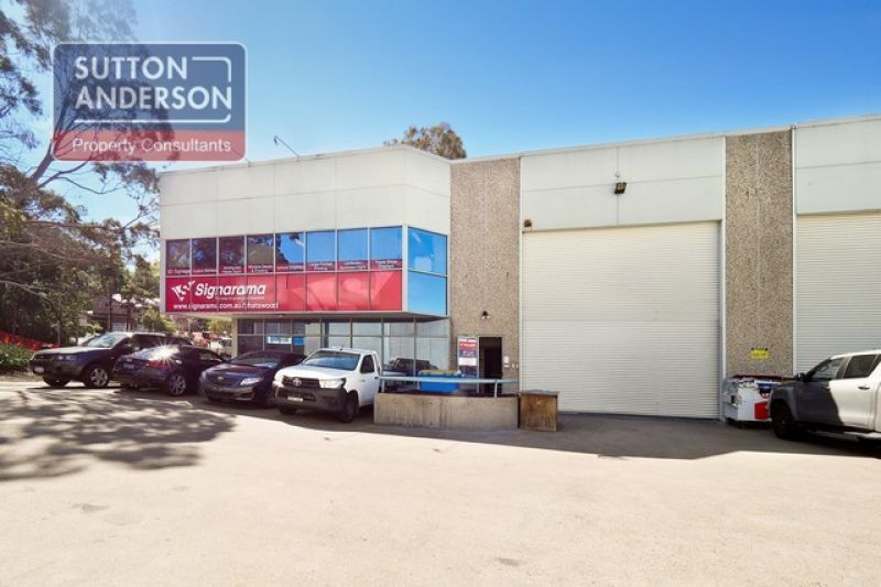 Showroom/Warehouse/office Unit With Fantastic Exposure