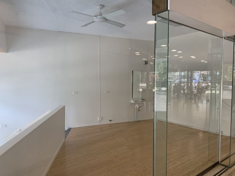Ground floor office space with street front access