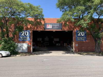 LARGE WAREHOUSE / SMALL OFFICE / LONG LEASE