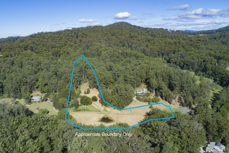 7.4 Acres, North Facing, Close to Town