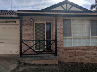 9/6 Westmoreland Road, Minto, NSW