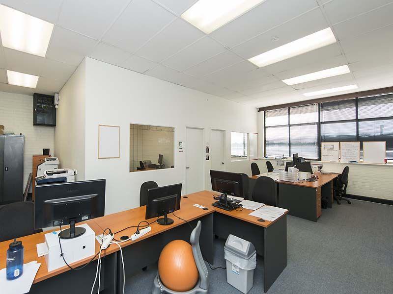 OFFICE FOR LEASE IN OSBORNE PARK