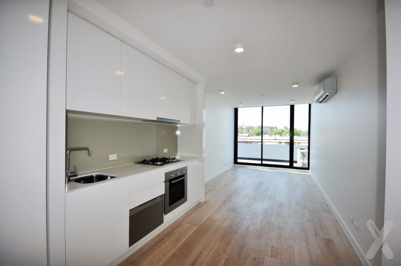 Light filled Two Bedroom Apartment!