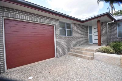 2/6 Dylan Crt, Darling Heights