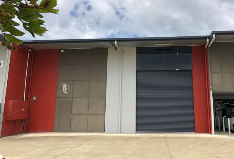 High Clearance Warehouse In Popular Isles Industrial Park...