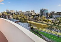 Beautiful 1 Bedroom Apartment. 2 Balconies. Secure Car Space. River Views. Foreshore Location. Walk To Station & Restaurants.