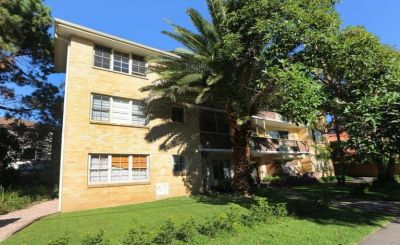 Private & leafy two bedroom apartment
