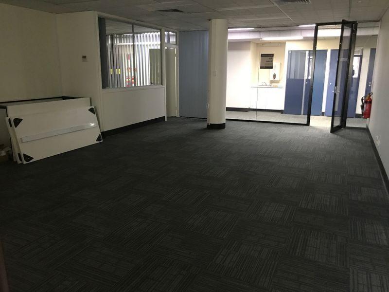 Modern First Floor Offices - 98 m2