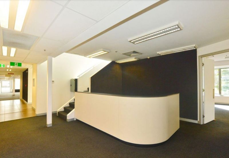 MAROOCHYDORE CBD FRINGE OFFICES FOR LEASE | TOP FLOOR