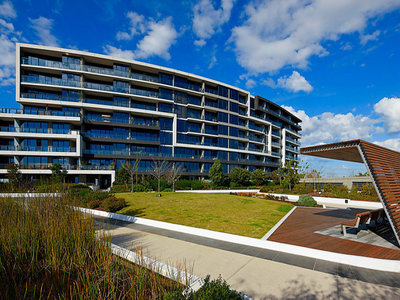 Furnished Two Bed Apartment In The Heart Of Tooronga Shopping Precinct
