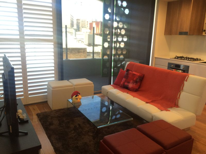 A Fully Furnished , Beautifully Appointed 1 Bedroom Studio