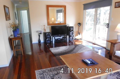 Relaxed Lifestyle in Lakeside 5 B/R Home