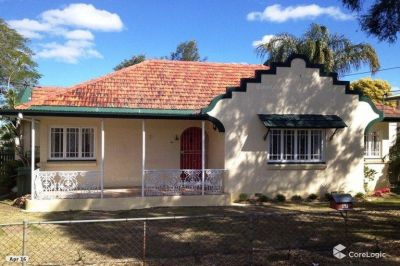 3 BEDROOM HOME IN CENTRAL LOCATION WITH ALL AMENITIES NEARBY!