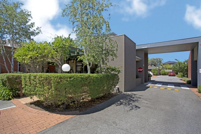 For Sale By Owner: 64/167 Hawthorn Road, Caulfield North, VIC 3161