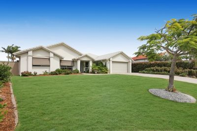 Robina Quays Finest Street! Gorgeous Residence!
